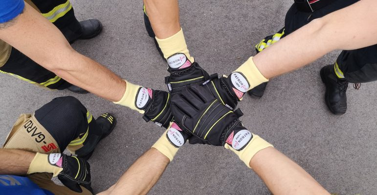 Uporaba gasilskih rokavic ASKÖ v gasilski disciplini Firefighter Combat Challenge